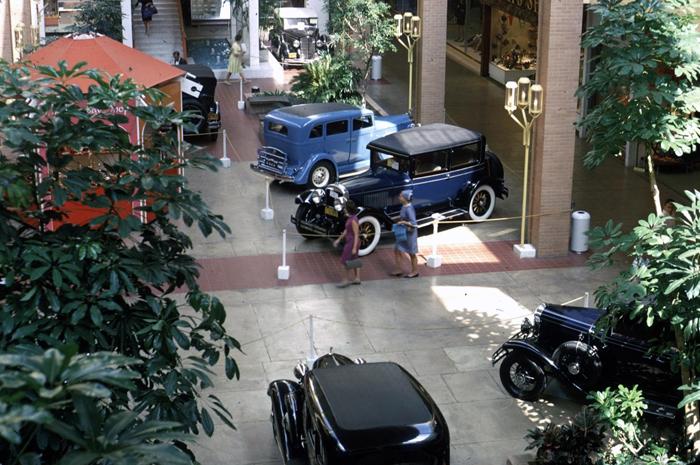 Antique Cars (1 of 4)